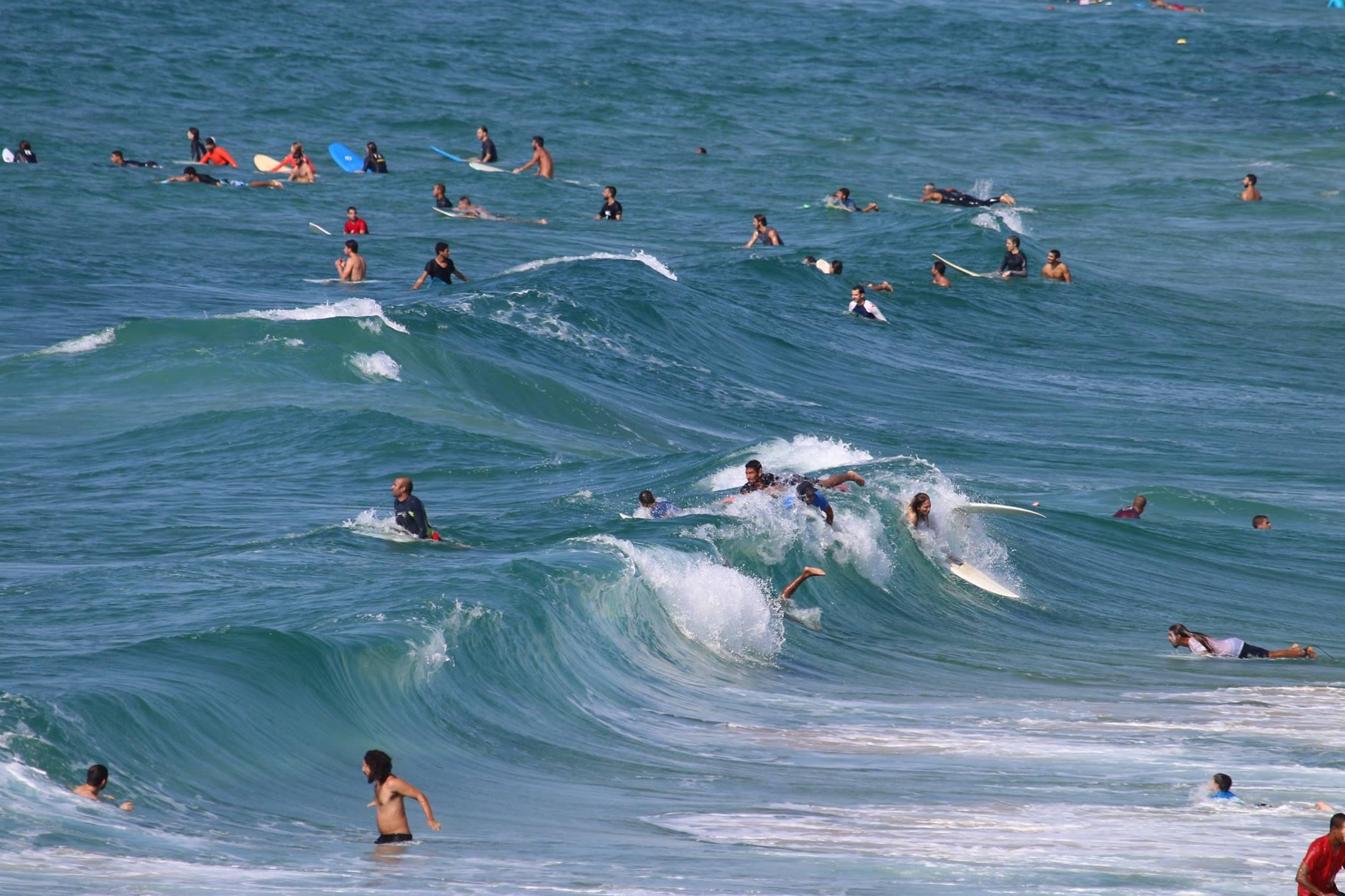 Földközi-tenger hullámai